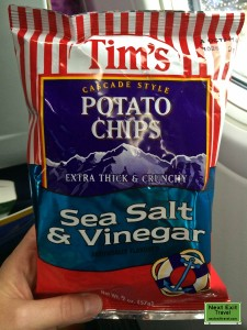 Tim's Cascade Style Potato Chips, Salt and Vinegar