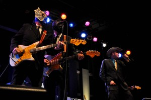 Los Straitjackets with Deke Dickerson